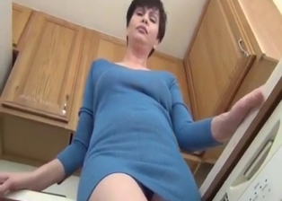 My sexy as fuck stepmom shows off her tight crack